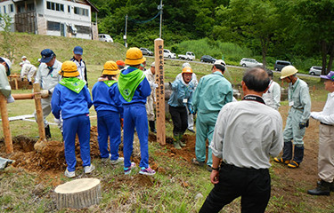 No.73 栄村での復興祈念植樹