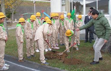 No.81 室根東小学校の復興祈念植樹