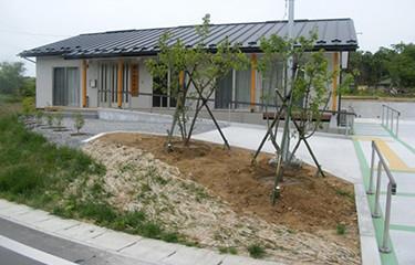 No.94 新築した集会所の植樹(南三陸町)