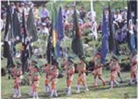 森林愛護少年団、揃いのユニフォームで入場行進